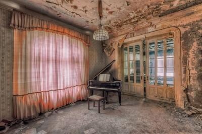 28 foto të ndërtesave të braktisura në Europë