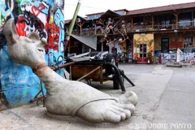 Si u shndërrua barrakja e braktisur në Ljubljanë në artin urban më të suksesshëm të Europës !
