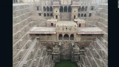 Zbresim shkallët për në puset e Indisë !