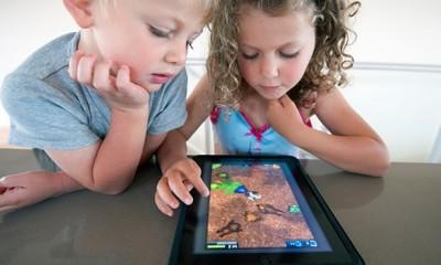 A duhet të përdoren Tabletët dhe Smartphonët nga fëmija juaj?