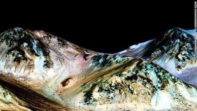 Në Mars zbulohet ujë i rrjedhshëm !