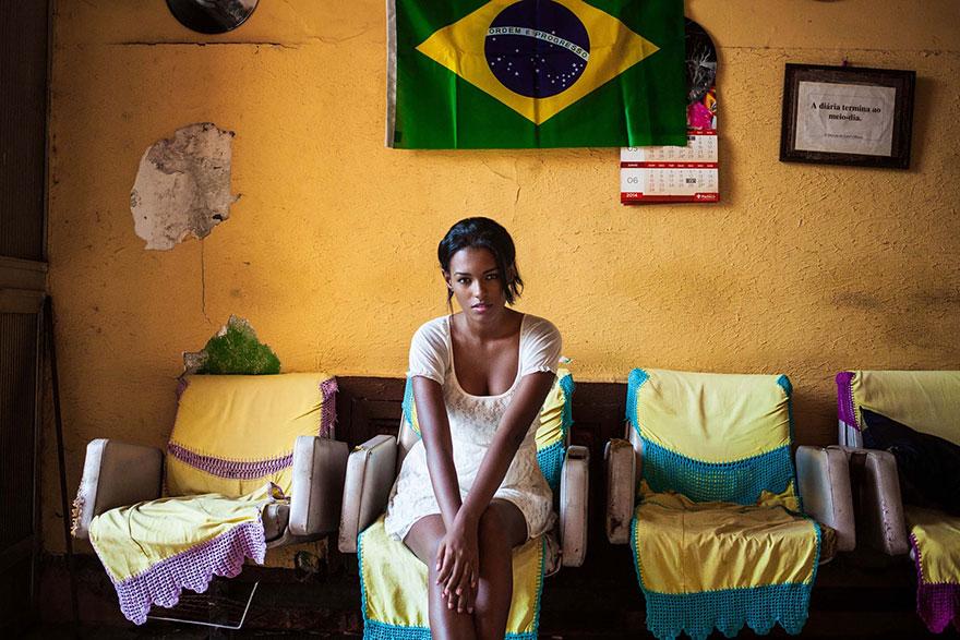 woman-beauty-atlas-mihaela-noroc-224__880
