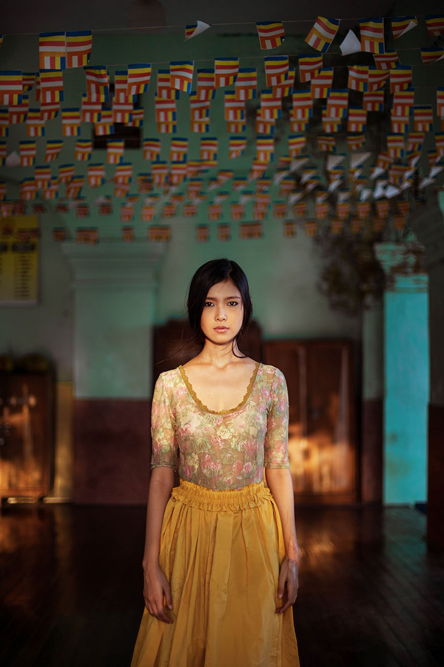 woman-beauty-atlas-mihaela-noroc-300__880