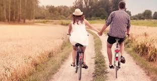 10 mënyra romantike për ta befasuar partnerin për Shën Valentinin