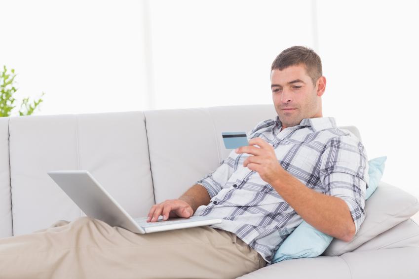 Blerjet e meshkujve online gjatë 2017