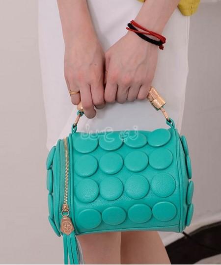 women-s-cylinder-tassel-buttons-hand-bag (5)