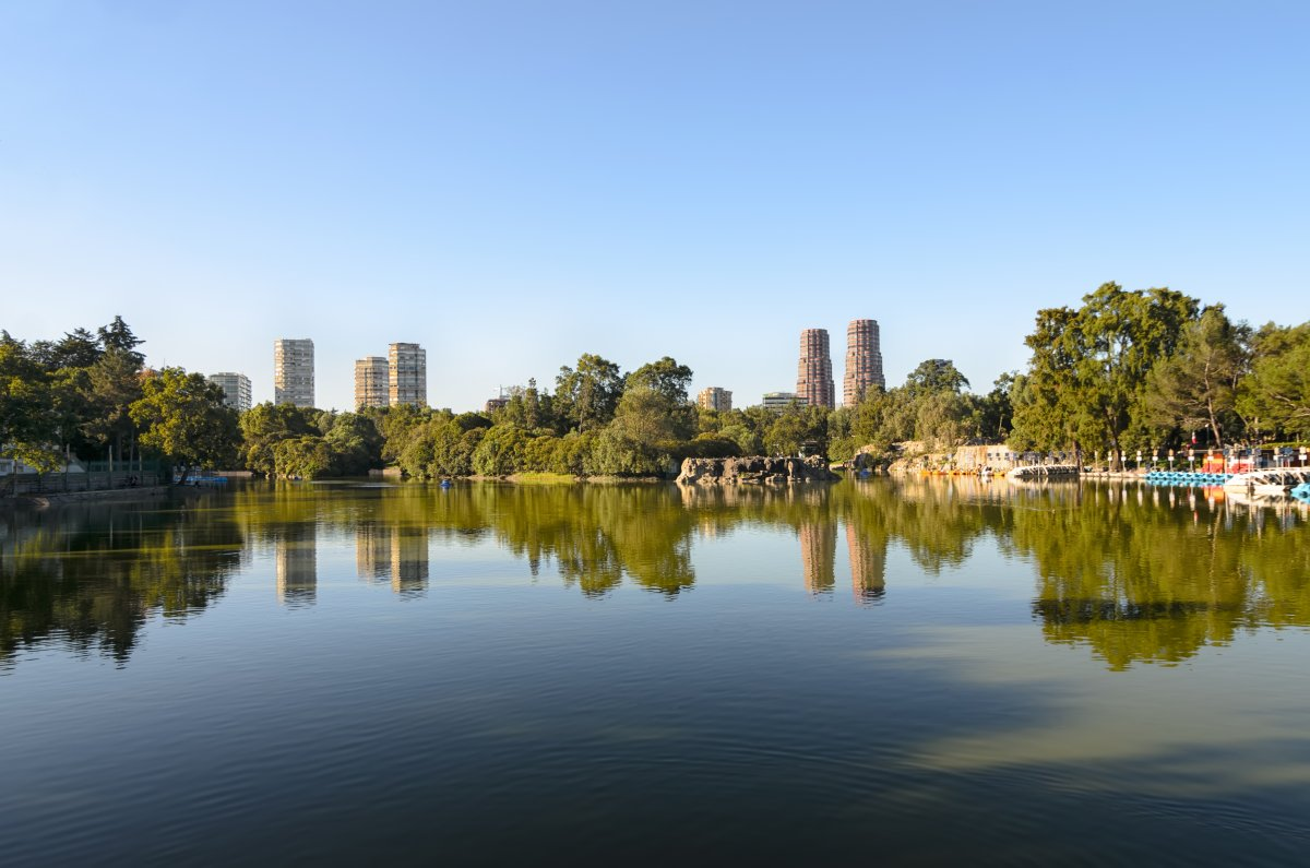 chapultepec-mexico-city-chapultepec-is-the-largest-city-park-in-the-western-hemisphere-the-park-includes-a-lake-a-few-museums-and-a-colonial-castle