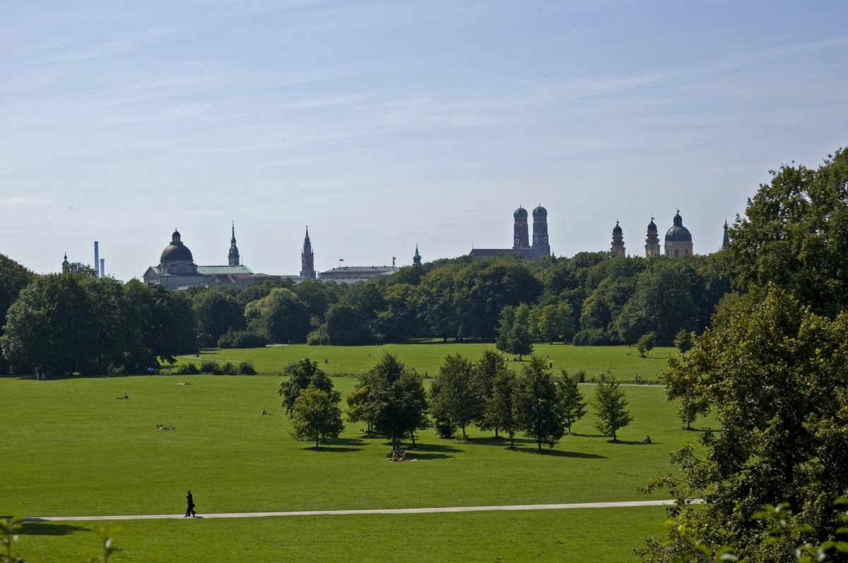 englischer-garten-munich-even-bigger-than-central-park-englischer-garten-boasts-multiple-beer-gardens-nude-sunbathing-spots-and-even-a-surfing-spot