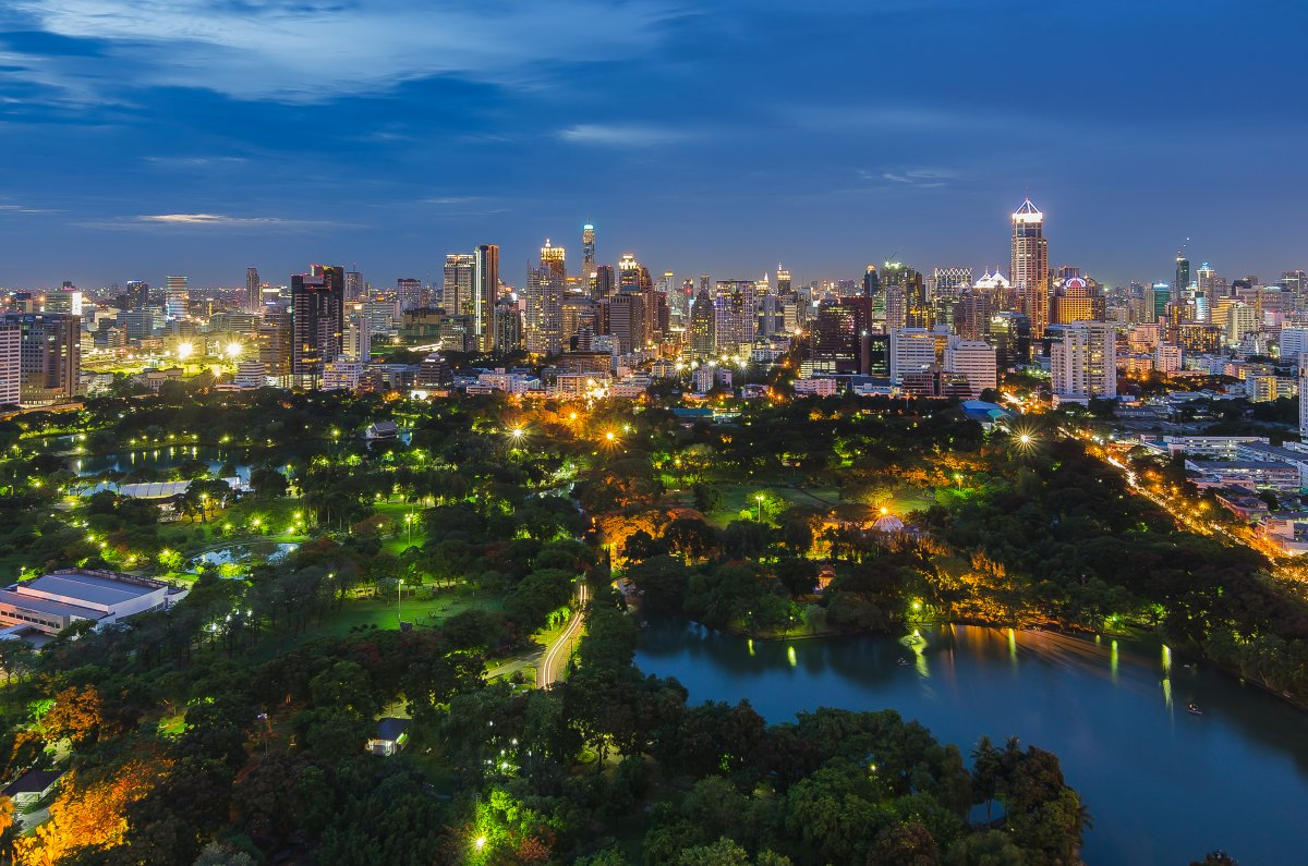 lumpini-park-bangkok-a-rare-green-space-in-thailands-bustling-capital-city-the-expansive-park-includes-an-artificial-lake