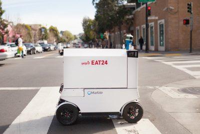 Robotët që dërgojnë ushqimin në shtëpi (VIDEO)