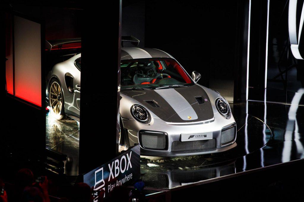 Porsche prezanton makinën më të shpejtë