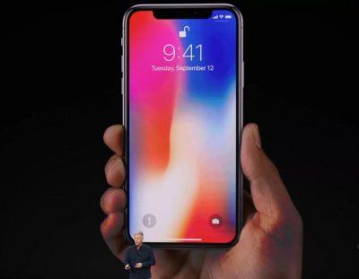"""Shumë shpejt, Apple sjell """"iPhone X"""" (VIDEO)"""