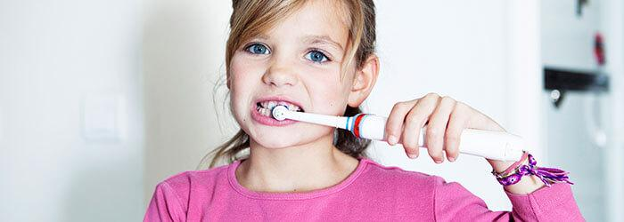 Si të zgjidhni furçën e dhëmbëve të duhur për fëmijën tuaj